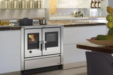 Kuchnie węglowe, na drewno, gazowe, elektryczne.