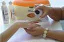 Kurs parafinowanie dłoni i stóp manicure pedicure Kursy wysyłkowe i stacjonarne