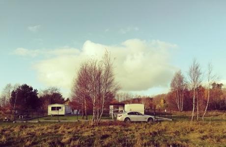 Sprzedam działkę nad morzem + 2 domki holenderskie z tarasami i altanami
