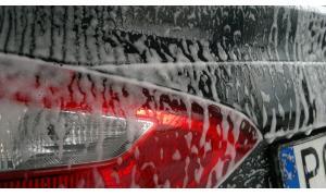 Jak myć samochód, żeby nie było zacieków?